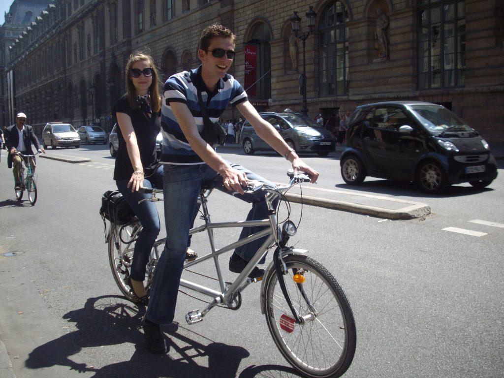 A_Couple_on_a_cycle_in_Paris.
