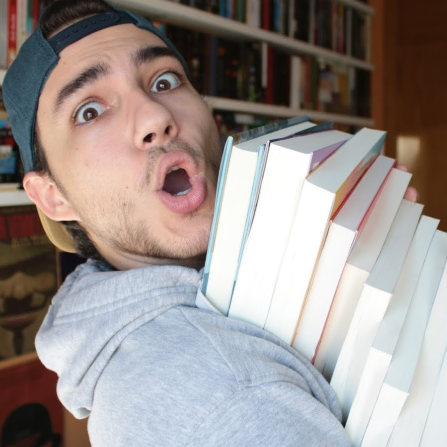 Josu Diamond, del canal YouTube LibrosPorLeer