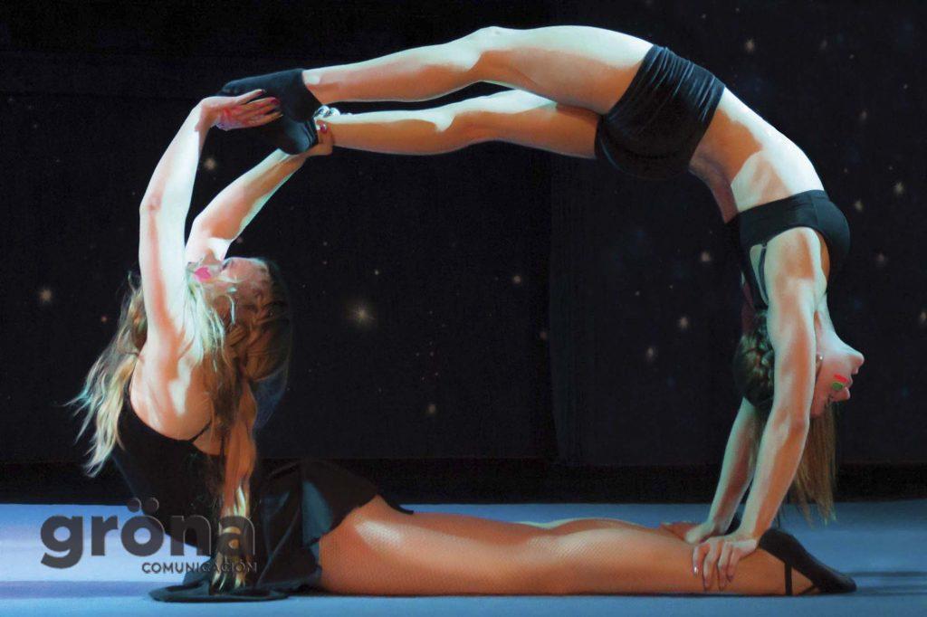 Apoyo mutuo - Colección de fotografía de Circus everywhere de Gröna Comunicación
