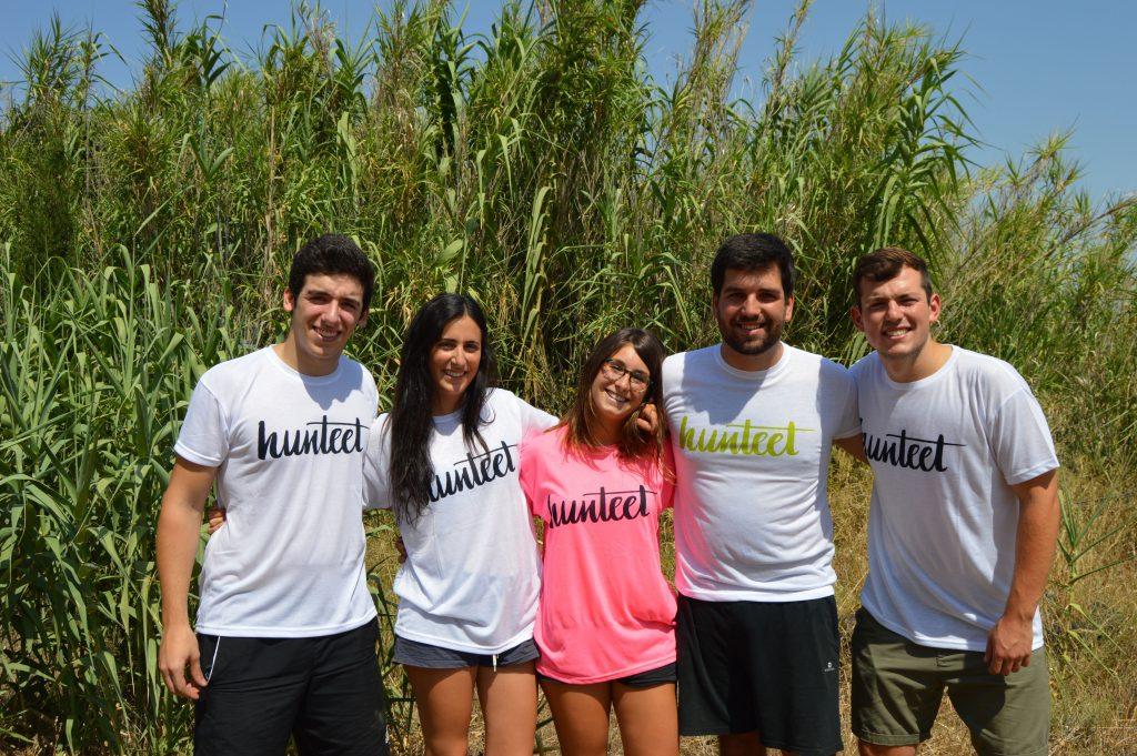 Los 5 miembros del equipo OttoBus, de izquierda a derecha: Mario, Marta, Teresa, Nacho y Javi