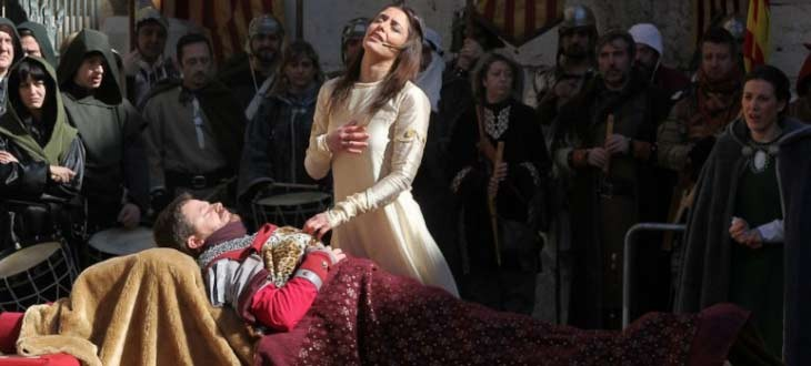 Isabel en el funeral de Juan Diego - Recreación de los Amantes de Teruel