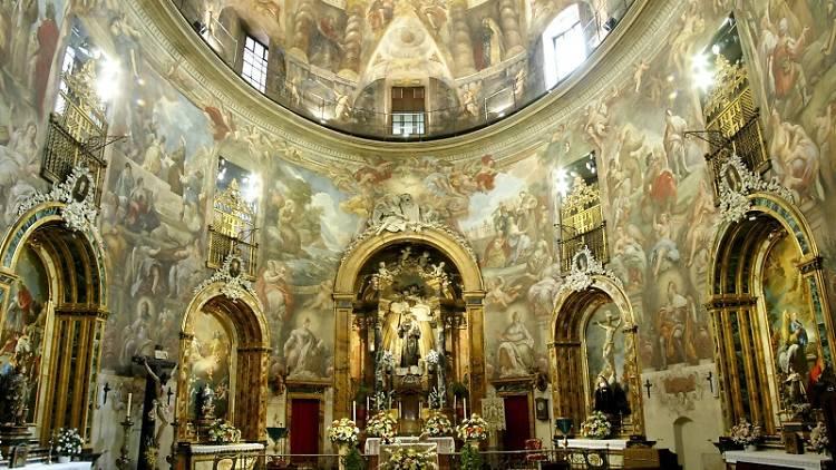 Interior de la Iglesia de San Antonio de los Alemanes en Madrid, apodada por alguno como la Capilla Sixtina madrileña