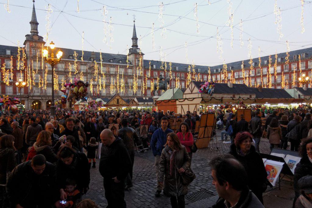 El mercadillo navideño de la Plaza Mayor de Madrid es el más antiguo de la ciudad, por lo que su popularidad se ha extendido a todos los rincones de España