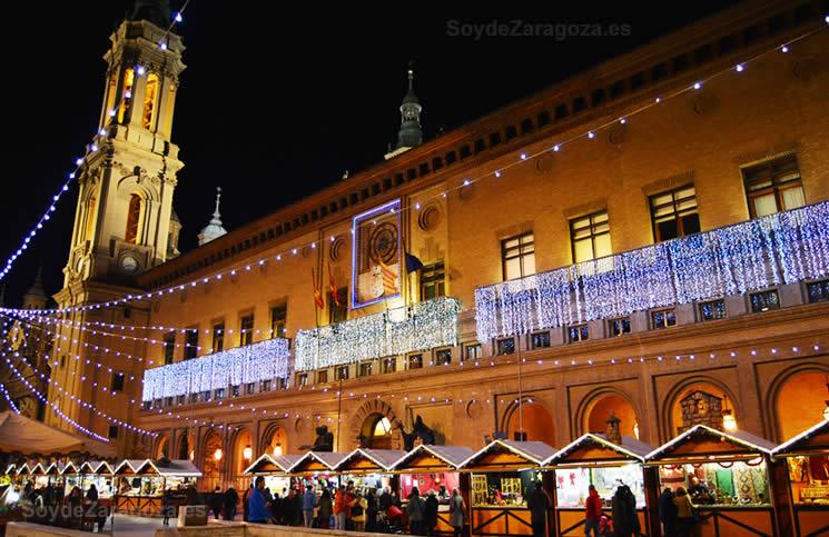 Muestra navideña en la Plaza del Pilar de Zaragoza donde la Navidad se puede palpar en el ambiente