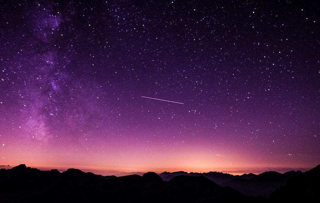 Como todos los veranos, llega las Perséidas, la mayor lluvia de estrellas del año, sáca tu cámara y diviértete haciendo fotos