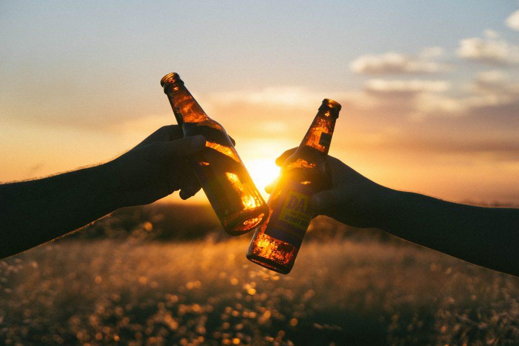 El primer viernes de Agosto se celebra el Día Internacional de la Cerveza descubre todas las curiosidades y cómo ganar premios y divertirte en Hunteet