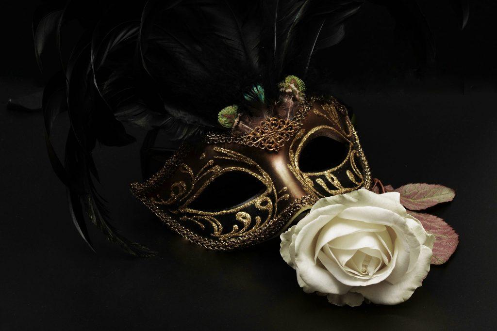 El Carnaval se remonta incluso a los sumerios y se celebra empezando por el Jueves Lardero