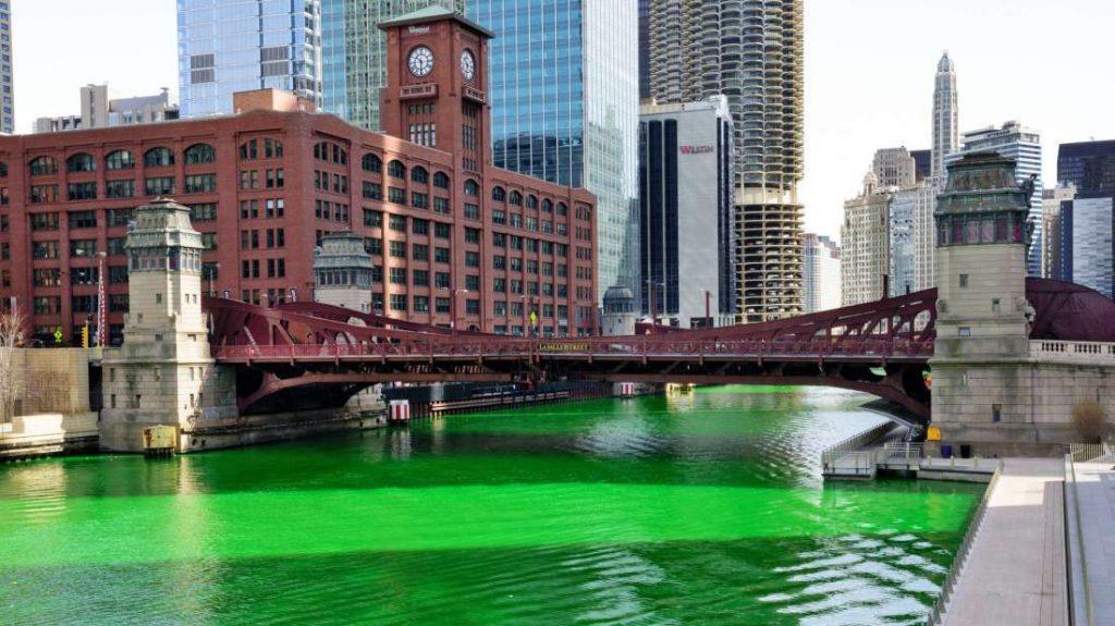 El río se tiñe de verde en Chicago en honor al día de San Patricio descubre más en Hunteet - Mentalfloss