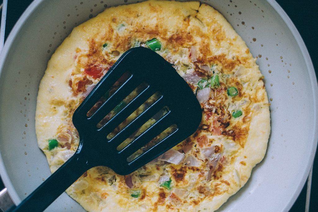 La tortilla de patatas con o sin cebolla y con o sin huevo elige la tuya