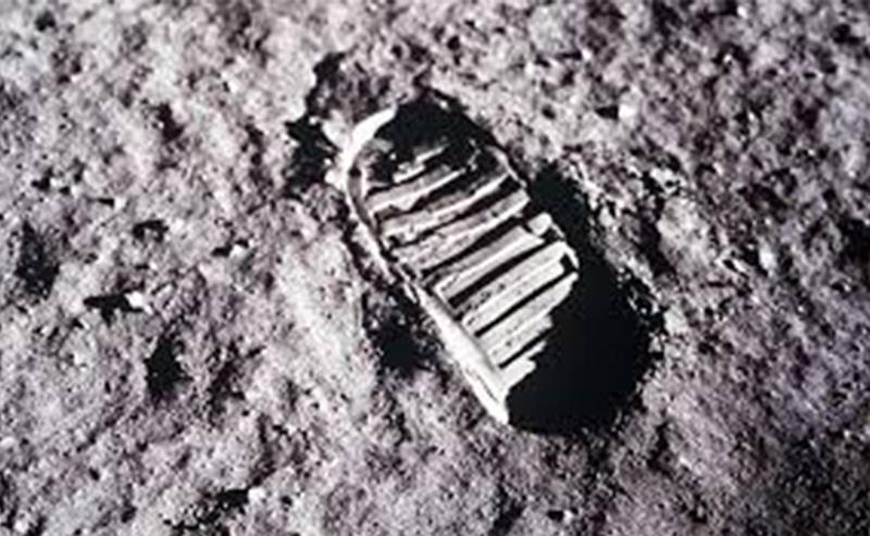 La huella del primer hombre en la luna en 1969