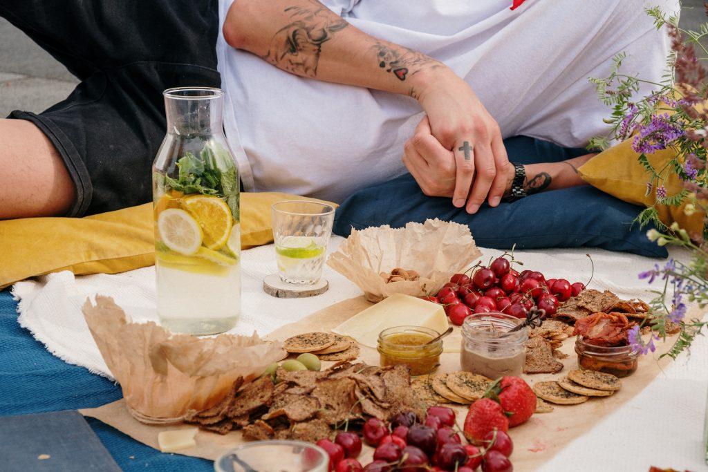 Hacer-un-picnic-uno-de-los-planes-al-aire-libre-que-nunca-falla