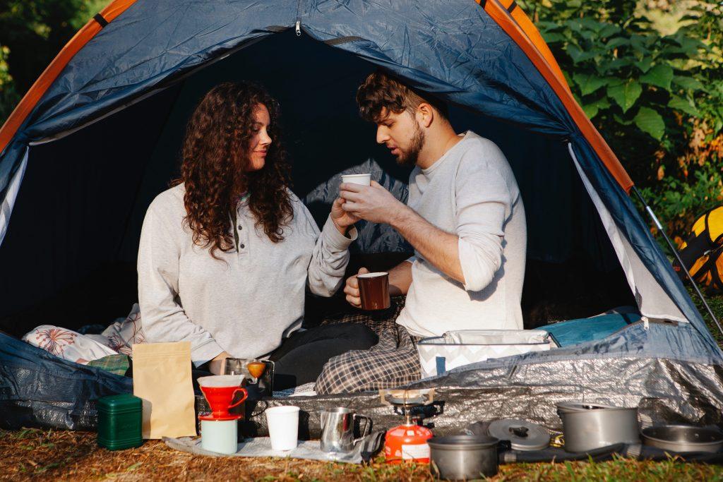Ir-de-acampada-planes-al-aire-libre-que-son-como-unas-vacaciones