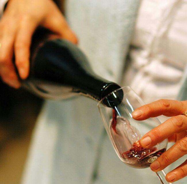 Sírvete un vino